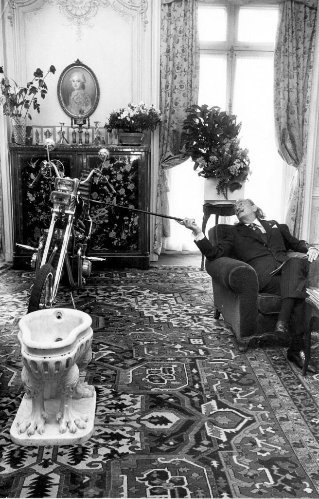 LWSY SALVADOR DALI AT LE MEURICE (1974) © Huper-International Pre
