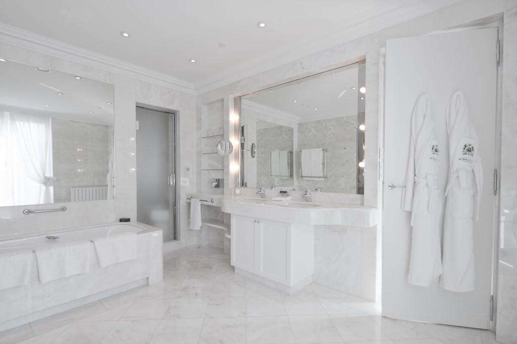 Bathroom LWSY